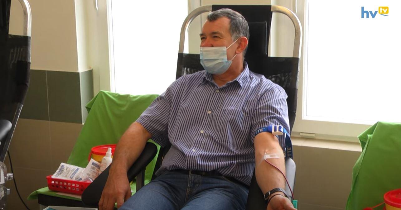 Háromszáz életet mentett meg Karácsony Béla vére